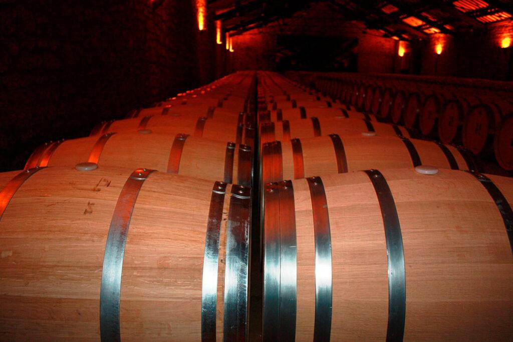 Barricas de las bodegas de la ruta del vino de Alicante