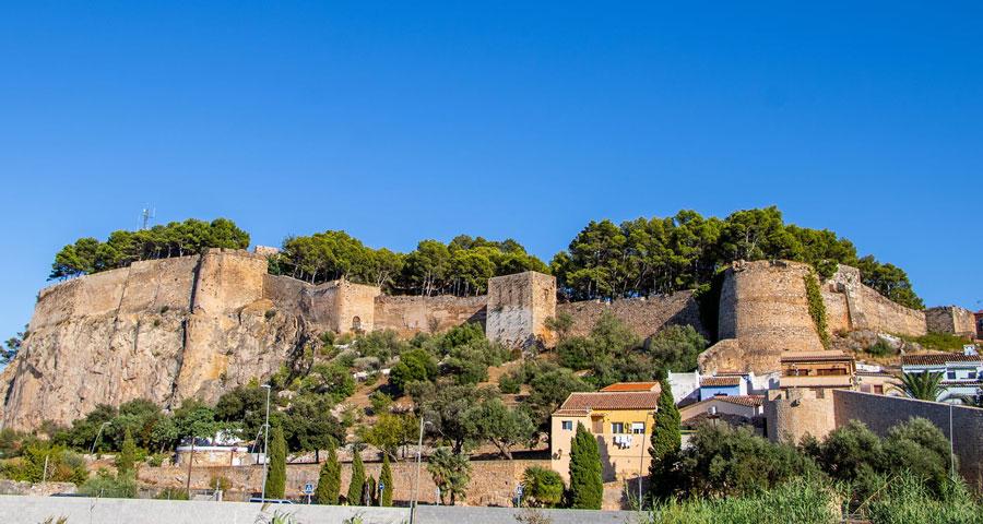 Visita el castillo de Denia cogiendo un rent a car en Alicante