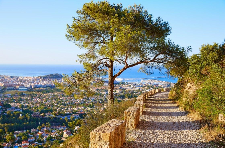 Primavera en Alicante, ¿qué visitar con un coche de alquiler?