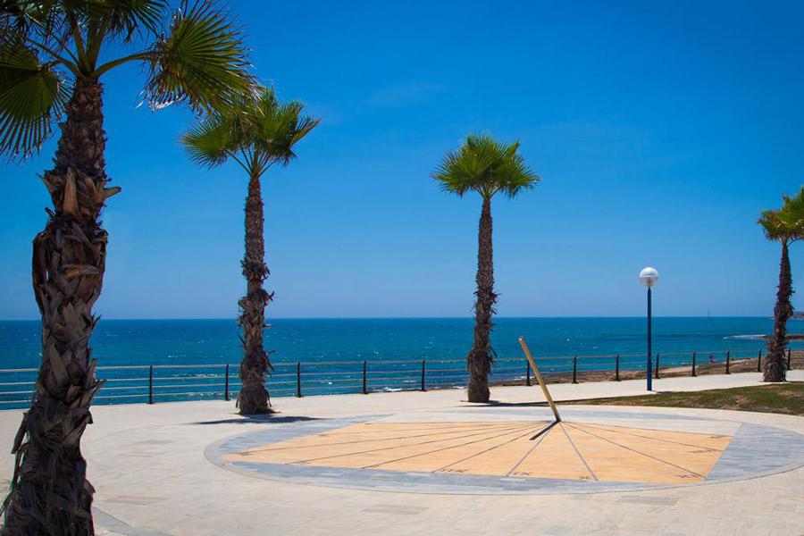 Alquilar un coche en Playa Flamenca y pasar unos días de ensueño
