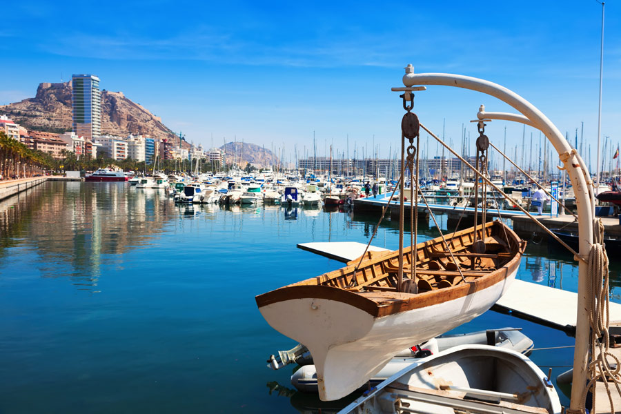 Alquiler de coches en Alicante, una gran opción para tus vacaciones