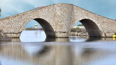 Coge tu coche de alquiler para ver el puente de la risa en La Manga